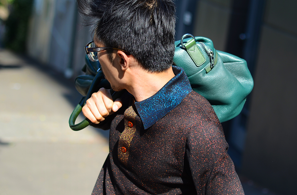 Prada lurex polo shirt, Marc Jacobs leather carryall bag, Neil Barrett green leather sandals, Asian male blogger