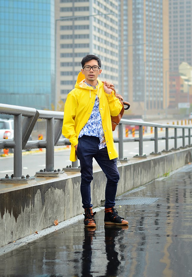 yellow rain boots men