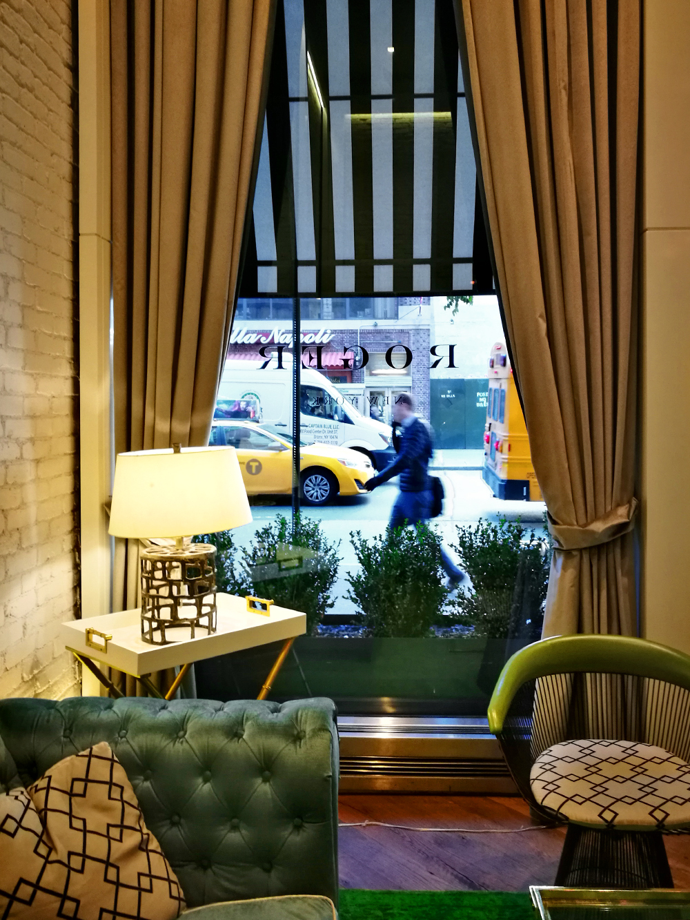 The Roger boutique hotel, New York Hotel, hotel lobby